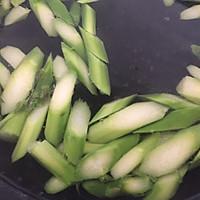 #精品菜谱挑战赛#时蔬小炒芦笋炒虾仁的做法图解3