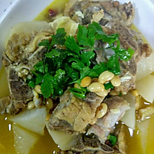 白萝卜炖排骨汤