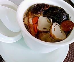秋冬温补~煲汤~当归黄芪炖乌鸡的做法