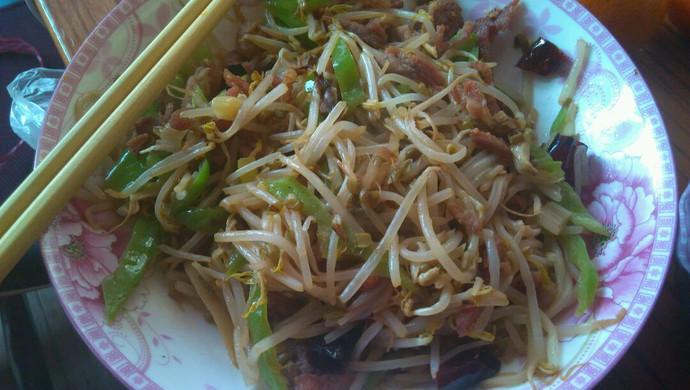 绿豆芽小炒肉