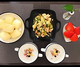 #换着花样吃早餐#牛奶白米粥的做法