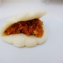 笼笼肉夹馍(荷叶饼夹粉蒸肉)