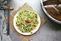 绿色黄豆芽炒肉的做法