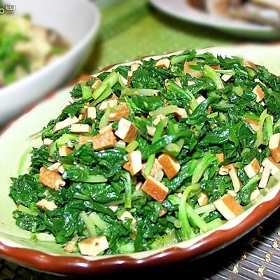 春天的野菜——马兰头拌香干