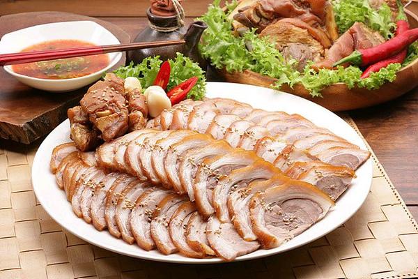 韩式酱猪肘的做法