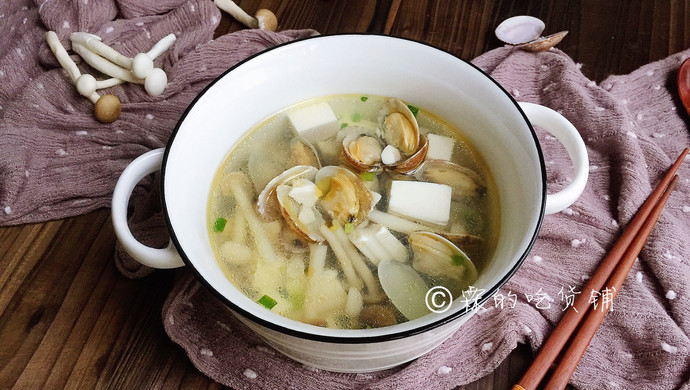#520,美食撩动TA的心!#花蛤豆腐菇菇汤