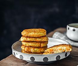 西葫芦鲜虾饼,元气满满营养早餐饼的做法