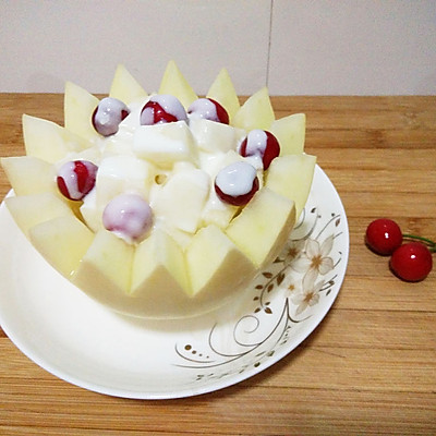 甜瓜樱桃盅