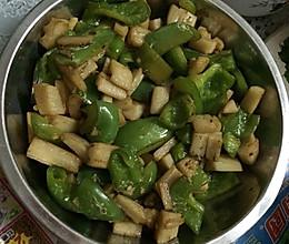 青椒炒藕丁的做法