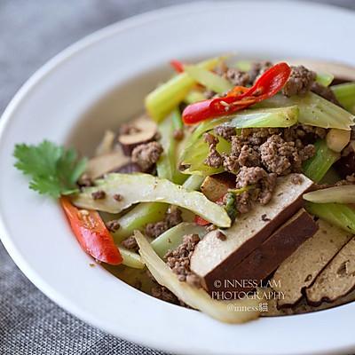中式胃的减肥菜【芹菜肉末炒香干】