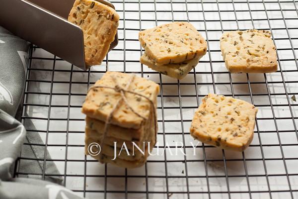 香葱饼干的做法