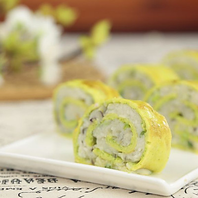 把鸡蛋饼做得更营养健康 蔬菜蛋皮鱼滑卷