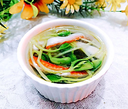 #入秋滋补正当时#黑豆芽蟹柳汤的做法