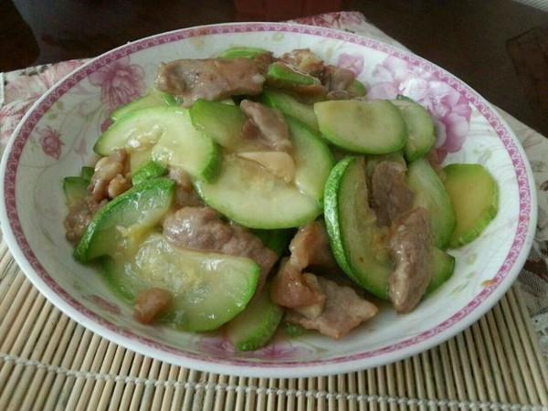 清爽快手菜:西葫芦炒肉片