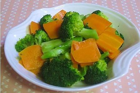 胡萝卜拌西兰花的做法