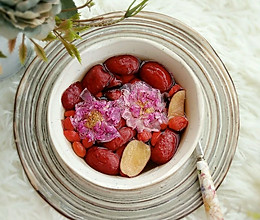 红枣枸杞玫瑰花茶,暖身茶的做法