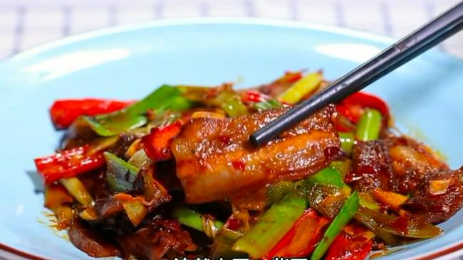 BTV《暖暖的味道》之健康少油的升级版回锅肉的做法