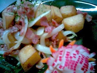 黄油洋葱培根煎炒土豆