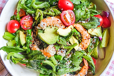 健康减脂|冰菜虾仁藜麦牛油果沙拉