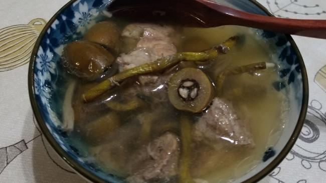 石斛橄榄瘦肉汤的做法