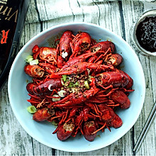 #美食新势力#夏季夜宵不可缺少的香辣小龙虾
