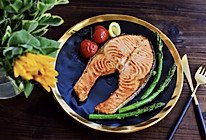 #爽口凉菜,开胃一夏!#香煎三文鱼的做法