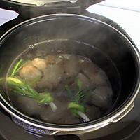 海带黄豆煲小排的做法图解4