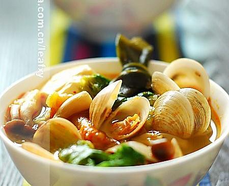 韩式泡菜海鲜汤的做法