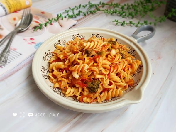 #肉食者联盟#培根芝士番茄意面的做法