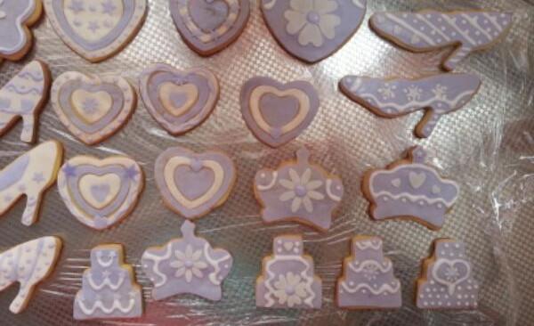 紫色系的糖霜饼干的做法