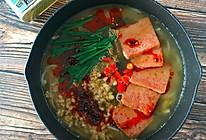 吃了午餐肉云南小锅米线,就算你身处零下也依然如沐春风的做法