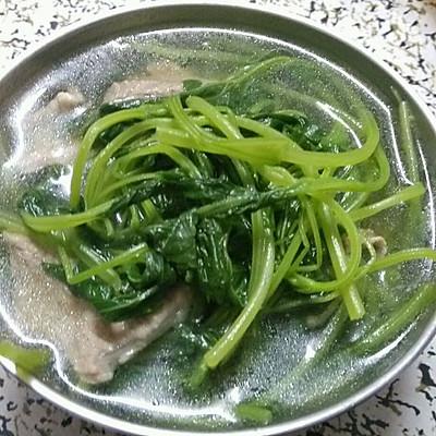 益母草瘦肉汤(经期量少和痛经的必备食疗)