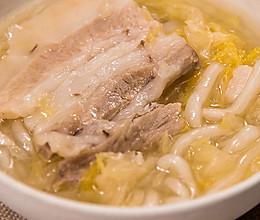 酸菜汆白肉,酸爽解腻东北名菜的做法