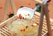 银耳莲子枸杞汤的做法