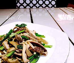 蘑菇炒油麦菜的做法