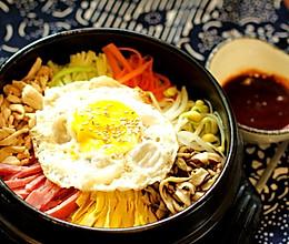 初秋来碗热腾腾的石锅拌饭的做法