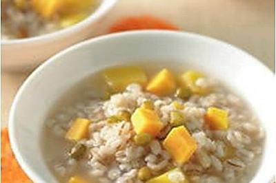 绿豆薏仁地瓜粥