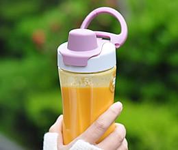 [Oster 女神食谱] 七日美肤系列之南瓜汁的做法