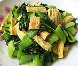青菜炒腐竹的做法