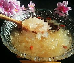 红枣枸杞银耳羹的做法