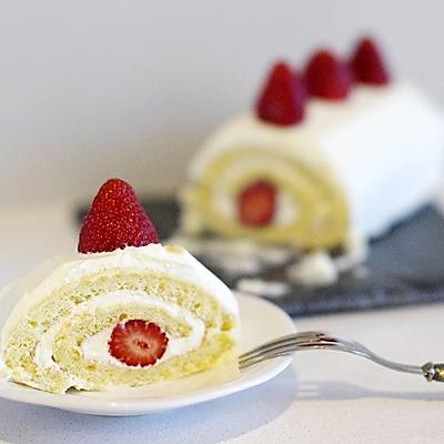 草莓奶油瑞士卷/戚风卷