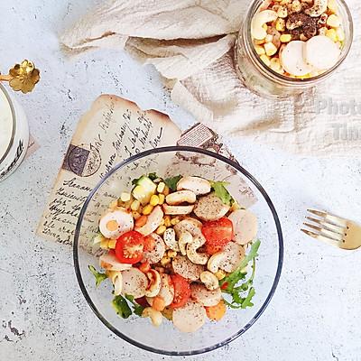 鸡胸肉肠蔬菜沙拉