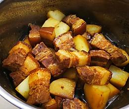 不加一滴油,不加大料红烧肉焖土豆的做法