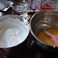 戚风蛋糕,简单,超易成功。加奶油美丽的生日蛋糕就大功告成咯的做法图解14