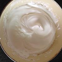 分蛋海绵小纸杯蛋糕#长帝烘焙节#的做法图解2