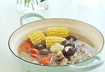 鲜甜养生的胡萝卜排骨玉米汤的做法