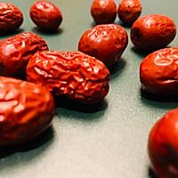 鲜银耳木瓜红枣羹的做法图解2