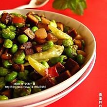 """战""""豆""""族的饭遭殃——萝卜干炒毛豆"""
