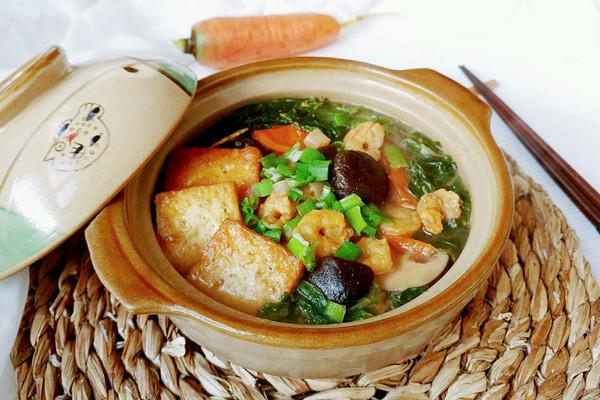 虾仁豆腐杂货锅的做法