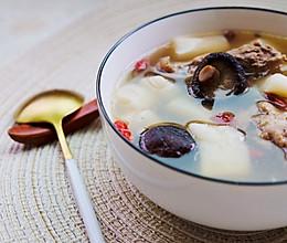 淮山香菇排骨汤,营养又美味。的做法